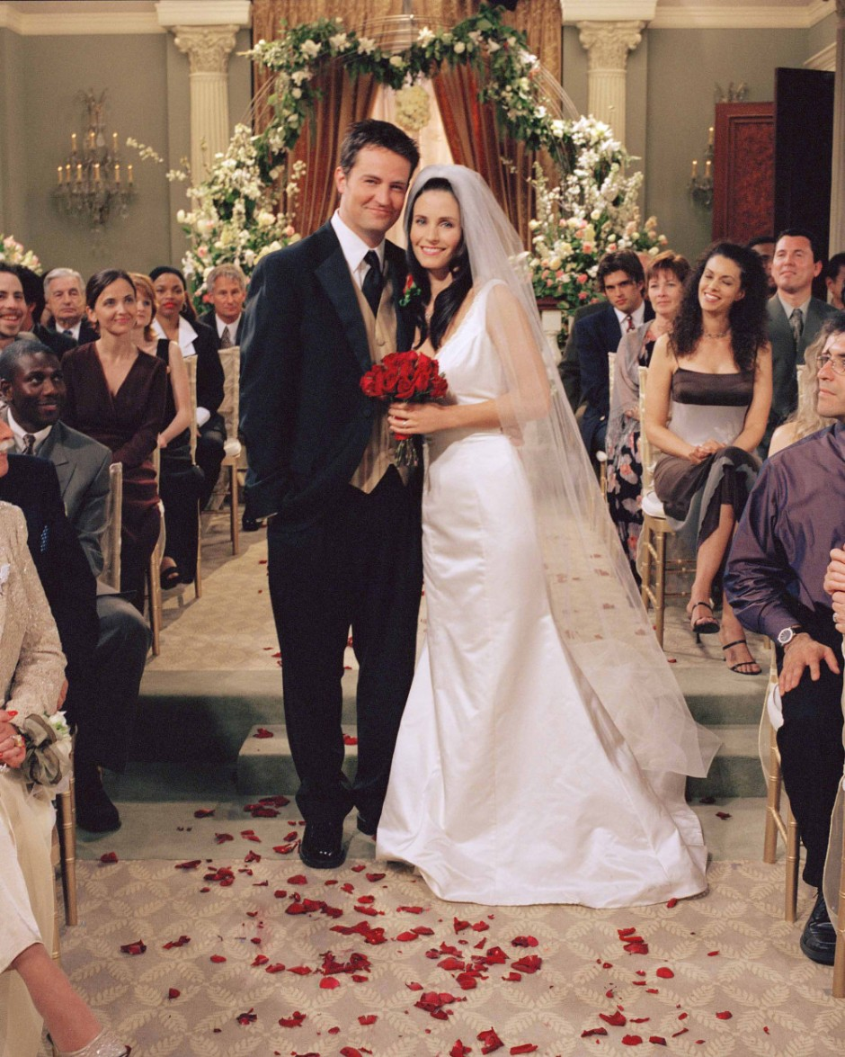FRIENDS -- 'The One With Monica And Chandler's Wedding' -- Pictured: (l-r) Matthew Perry as Chandler Bing, Courteney Cox Arquette as Monica Geller -- WEDDING BELLS RING FOR MONICA AND CHANDLER IN ONE-HOUR SEASON FINALE. --- DATE TAKEN: Unavailable By Danny Feld Warner Bros. ORG XMIT: ZX12733