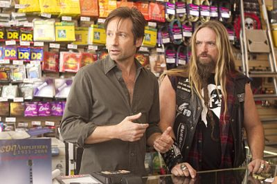 David Duchovny as Hank and Zakk Wylde in Californication (Season 4, Episode 2) - Photo: Jordin Althaus/Showtime - Photo ID: californication_402_0639