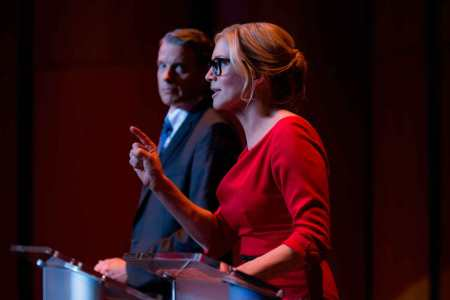 election-noche-bestias-kyle-secor-elisabeth-mitchell