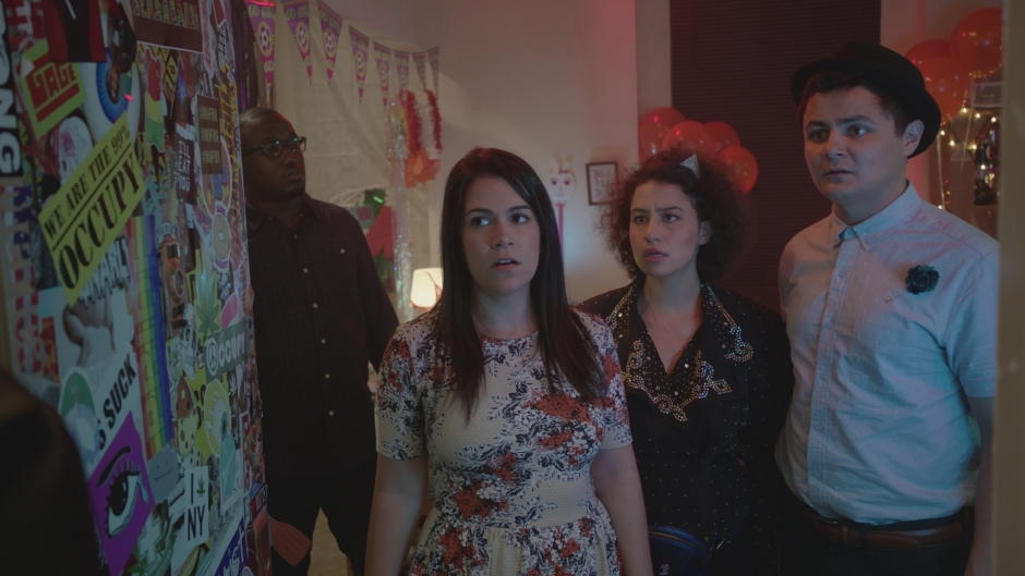 broad-city-s3-ilana-abby-y-arturo-comedy-central